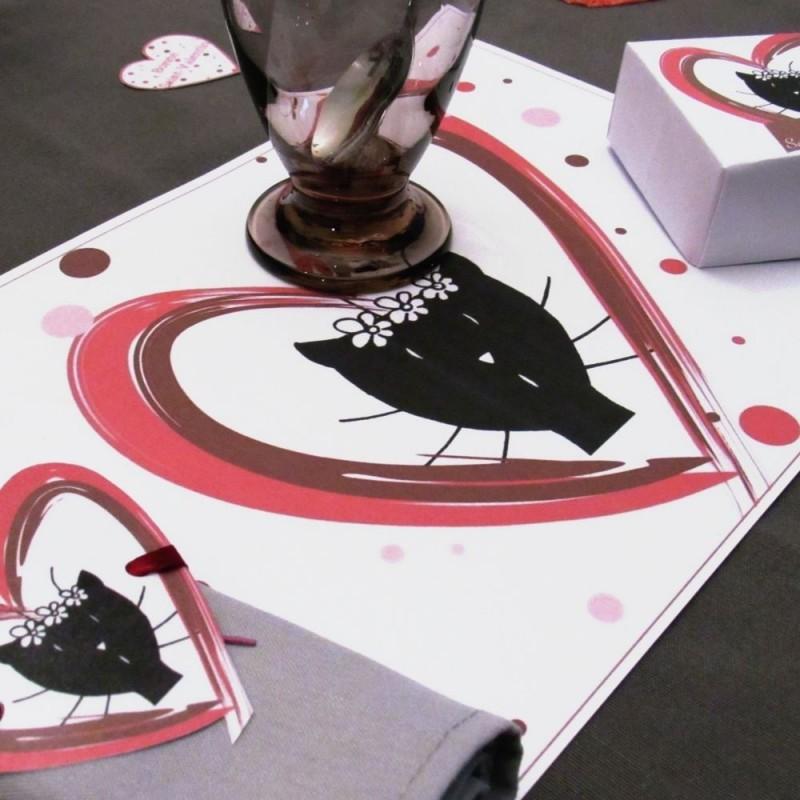 Set de table elle Saint-Valentin, motif madama chat dans un coeur, Tribu de chats, mise en situation