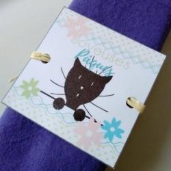 Rond de serviette Pâques, chat et fleurs, détail, Tribu de chats