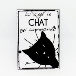 Marque page papier plastifié, motif tête de chat et texte humour ici c'est le chat qui commande, noir et blanc, Tribu de chats