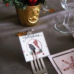 Marque place de Noël, chat avec un bonnet de Père Noël, à mettre sur la fourchette, Tribu de chats