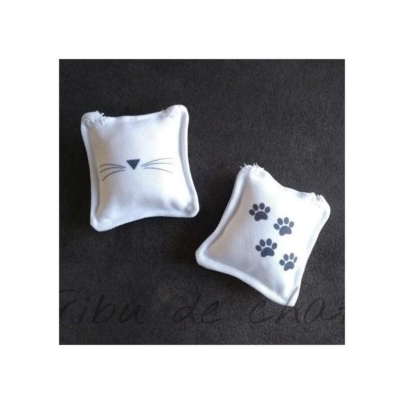 Lot de 2 jouets pour chat, carré moustaches et pattes de chat, Tribu de chats